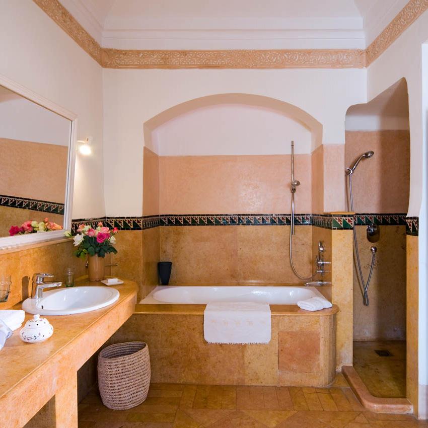China Suite avec salle de bains spacieuse
