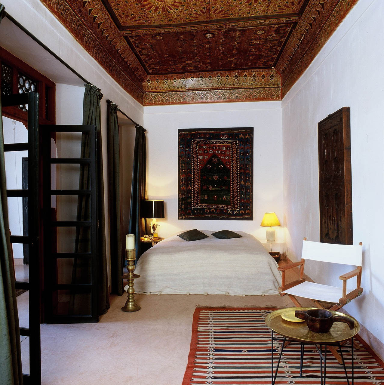     The bedroom with the magnificent ceiling
