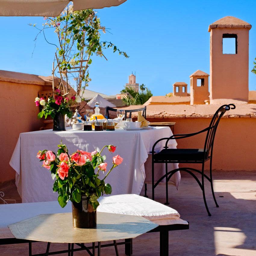 Petit déjeuner sur la terrasse privée