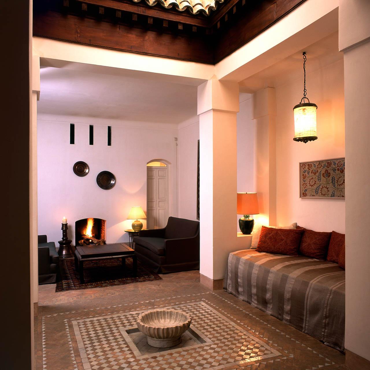 Suite ottomane riyad el cadi for Salon avec cheminee